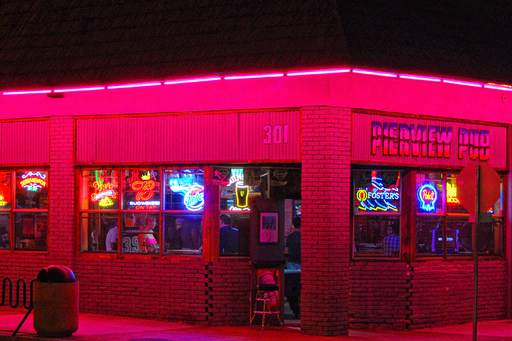 Pierview pub at night